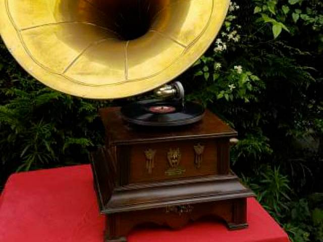 Important phonographe Allemand vers 1905 (3)